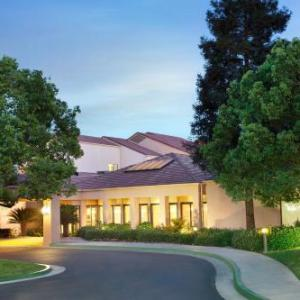 Buttonwillow Raceway Park Hotels - Courtyard By Marriott Bakersfield