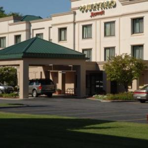 Courtyard By Marriott Newburgh Airport