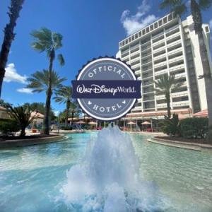 Hotels near Typhoon Lagoon - Holiday Inn Orlando - Disney SpringsTM Area