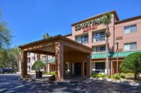 Courtyard By Marriott Tampa North Image