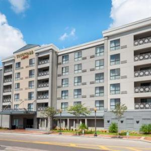 WEDU Studios Hotels - Courtyard By Marriott Tampa Downtown