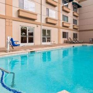 Hotels near Edmonds Center for the Arts - Best Western Plus Edmonds Harbor Inn