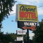 Hotels near Marble Bar Detroit - Airport Motel