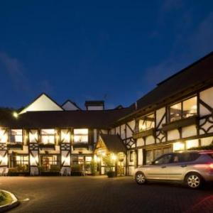 Auckland Zoo Hotels - The Surrey Hotel