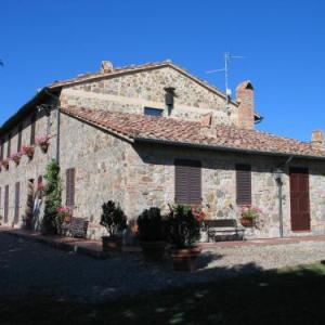 Book Now Podere Sant'Antonio (Radicofani, Italy). Rooms Available for all budgets. Featuring a garden Podere Sant'Antonio offers rustic country-style accommodation in a 19th-century building. Located in the Tuscan countryside near Contignano the property pro