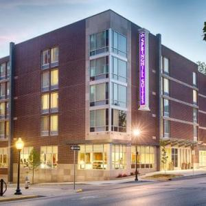 College Mall Bloomington Hotels - Springhill Suites Bloomington