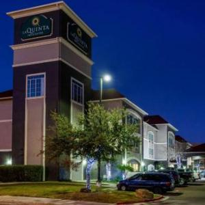 Sames Auto Arena Hotels - La Quinta by Wyndham Laredo Airport