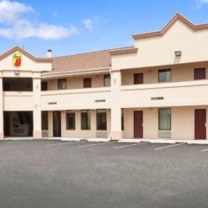 Hotels near Union County Arts Center - Super 8 Rahway/Newark