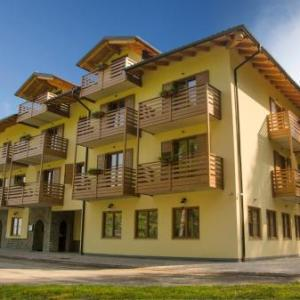 Book Now Hotel Vervasio (Vervo, Italy). Rooms Available for all budgets. Surrounded by a pine wood Hotel Vervasio is within easy reach of Thun Castle the Adamello Brenta Natural Park and Lake Tovel. The rooms are classically decorated and come with