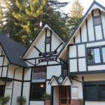Hotels near Armstrong Redwoods Visitor Center - Rio Nido Lodge At The Russian River