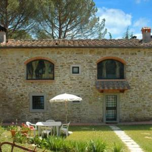 Book Now Apartment Fiorentino (Dicomano, Italy). Rooms Available for all budgets. Set in Dicomano this apartment features a patio and a garden. This apartment offers a seasonal outdoor pool and free WiFi.The kitchen comes with a fridge. A TV is provided. Th