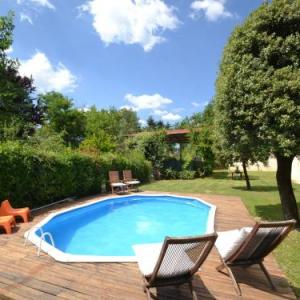 Book Now Apartment Al Colle Basso (Tegoleto, Italy). Rooms Available for all budgets. Set in Tegoleto Apartment Al Colle Basso is an apartment featuring a seasonal outdoor pool. The unit is 39 km from Siena. Free WiFi is available throughout the property.A TV i