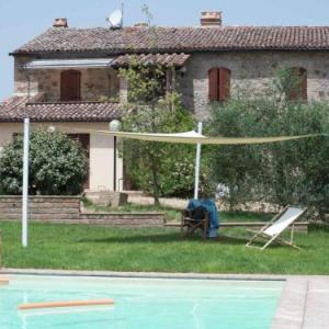Book Now Villa Delle Fonti (Allerona, Italy). Rooms Available for all budgets. Villa Delle Fonti offers pet-friendly accommodation in Allerona 46 km from Perugia. The unit is 43 km from Saturnia. Free WiFi is featured throughout the property.The kitchen