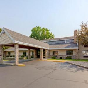 Cobblestone Hotel And Suites Oshkosh