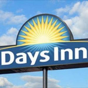 Hotels near Palace Theater Syracuse - Days Inn Syracuse University