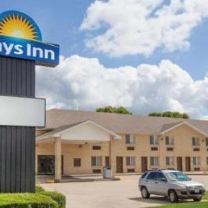 Hotels near O'Brien Stadium Charleston - Days Inn by Wyndham Charleston