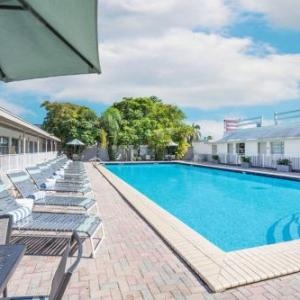 Hotels near Opa Locka Airport - Days Inn By Wyndham Miami Airport North