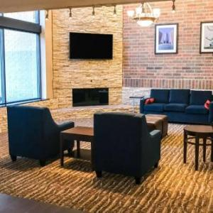 Shenandoah Country Club Hotels - Comfort Inn Farmington Hills