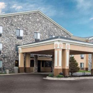 Econo Lodge Inn & Suites Monroe