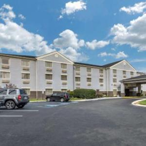 Hotels near Big Butler Fairgrounds - Comfort Inn & Suites Butler