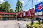 Townsend Tennessee Hotels - Motel 6 Gatlinburg Smoky Mountains