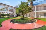 San Antonio Texas Hotels - Howard Johnson Hotel & Suites By Wyndham San Antonio