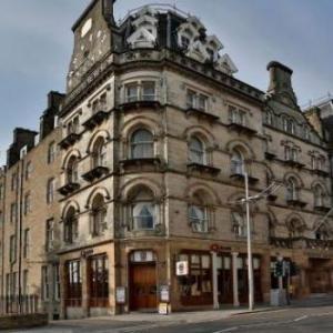 Hotels near Slessor Gardens - Best Western The Queens Hotel
