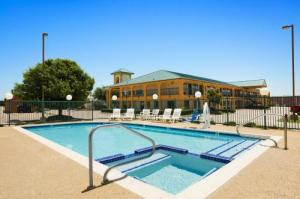 Super 8 Grand Prairie Southwest