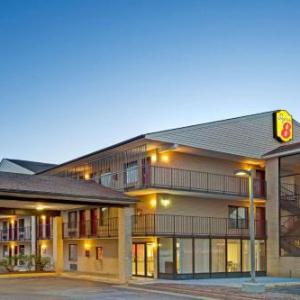 Riverside Center Dinner Theater Hotels - Super 8 By Wyndham Fredericksburg