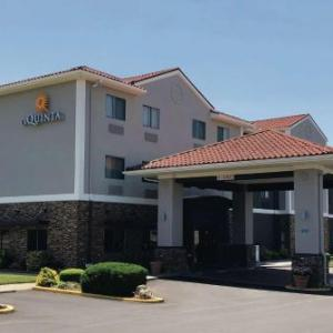Pritchard Community Center Hotels - La Quinta Inn & Suites Elizabethtown