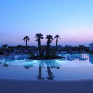 Book Now Viar Beach Club (Rosa Marina, Italy). Rooms Available for all budgets. Set in Rosa Marina in the Apulia Region 25 km from Alberobello Viar Beach Club boasts an outdoor pool and a private beach area. The resort has a seasonal outdoor pool and hot