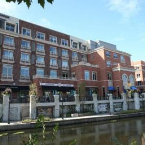 Hotels Near North Central College Hotel Indigo Naperville Riverwalk