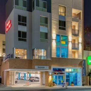 Hampton Inn & Suites Los Angeles -Glendale