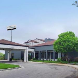 Hotels near BB's Lawnside BBQ - Courtyard By Marriott Kansas City South