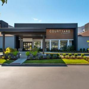 Jake Nevin Fieldhouse Hotels - Courtyard By Marriott Philadelphia Devon