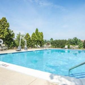 Hotels near Carroll County Agriculture Center - Days Inn Westminster