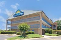 Days Inn Northlake Image