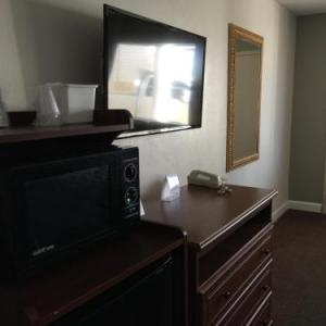 Red Carpet Inn & Suites - Danville