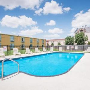 Hotels near Downstream Casino Resort - Days Inn By Wyndham Joplin