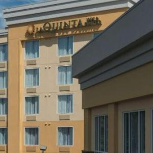 La Quinta Inn & Suites By Wyndham Lynchburg At Liberty Univ.