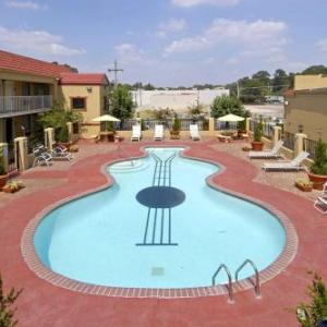 Hotels near Graceland Mansion - Days Inn by Wyndham Memphis at Graceland