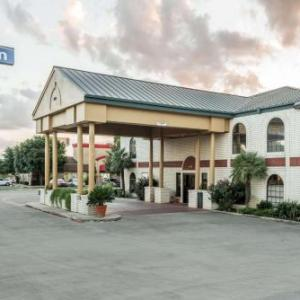 Days Inn By Wyndham New Braunfels