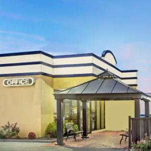 Hotels Near Gallery At Military Circle Days Inn Norfolk