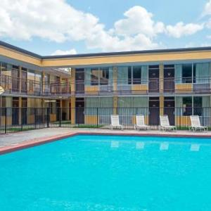 Hotels near Bristol Dragway - Days Inn By Wyndham Bristol Parkway