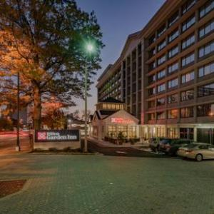 Hotels near the birchmere alexandria va for Hilton garden inn crystal city va