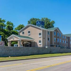 Bayfront Convention Center Hotels - Cobblestone Hotel & Suites - Erie