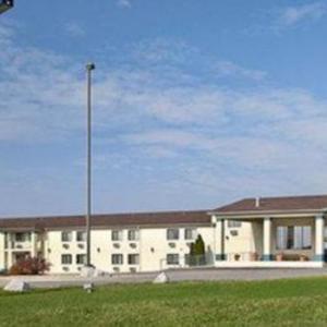Hotels near Lyceum Theatre Arrow Rock - Days Inn by Wyndham Boonville