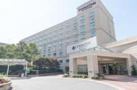 Doubletree Hotel Charlotte-Gateway Village