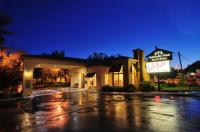University Park Inn & Suites Image