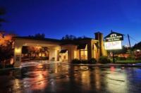 University Park Inn & Suites Image